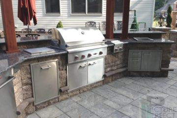 Outdoor Kitchens & Living